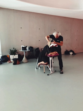 Massage amma assis pour le bien-être au travail