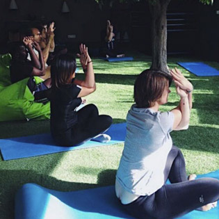 Yoga au travail - Sport Okasio